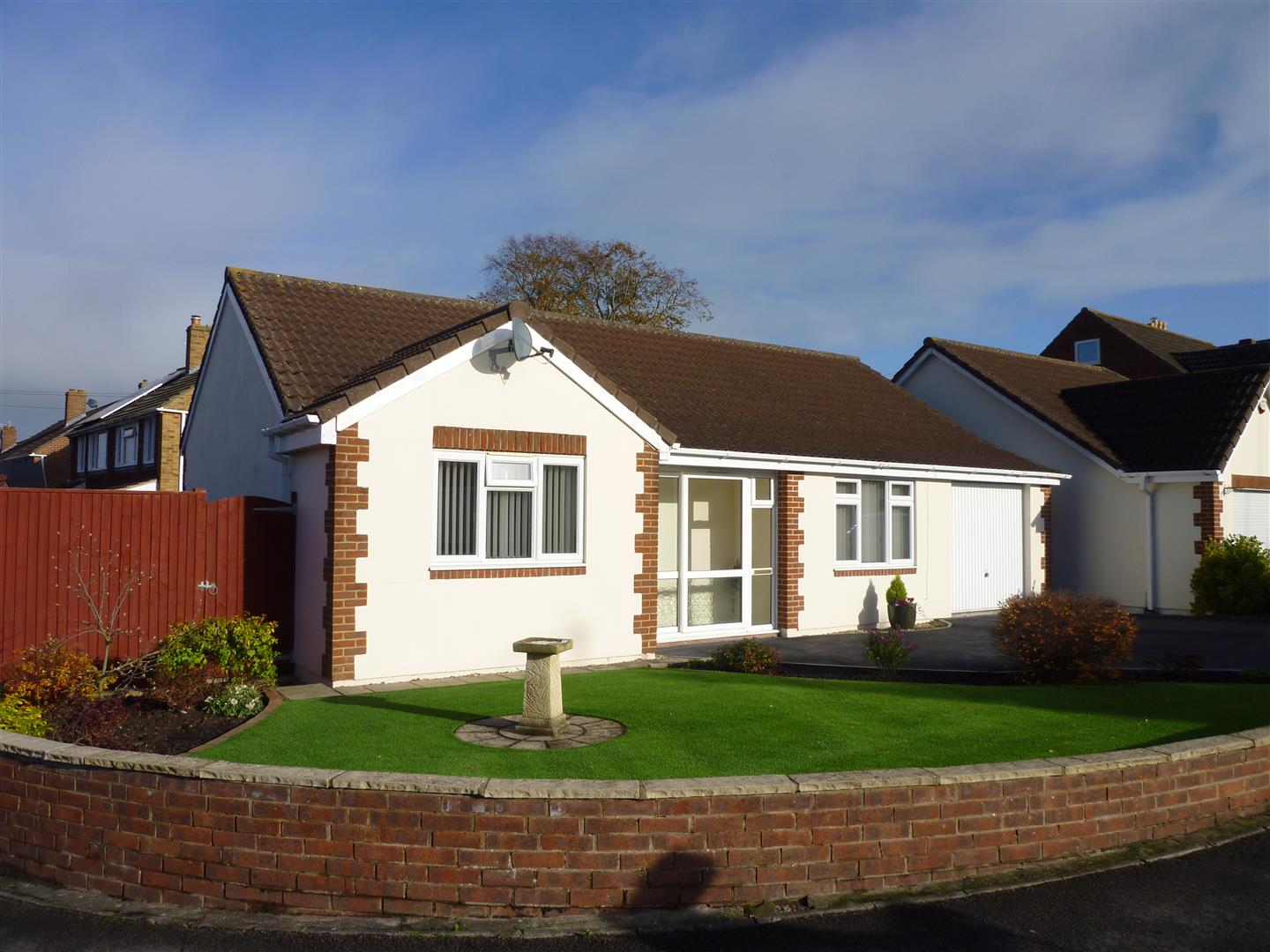 3 Bedrooms Detached Bungalow for sale in TROWBRIDGE